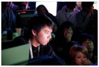 格闘ゲームプレーヤーのときど選手、sako 選手がプロゲーマーとして活動中