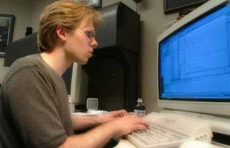 id Software のジョン・カーマック氏は 1995 年の時点で 1080p のモニターで仕事をしていた