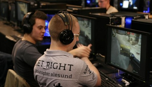 Ninjas in Pyjamas の  GeT_RiGhT 選手が『Counter-Strike: Global Offensive』の最新 config を公開