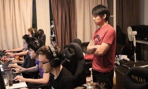 プロゲームチーム「Ninjas in Pyjamas」League of Legends部門ヘッドコーチ Clement Chu氏が自身の役割や日常を公式サイトで紹介