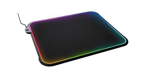 『SteelSeries』が世界初を謳う両面仕様の光るゲーミングマウスパッド『QcK Prism』を発表